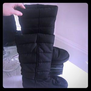 Women's Airwalk size 8.5 winter boots black